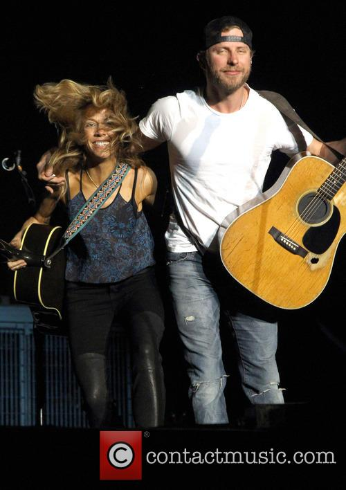 Cheryl Crow and Dierks Bentley 3
