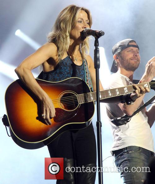 Cheryl Crow and Dierks Bentley 7