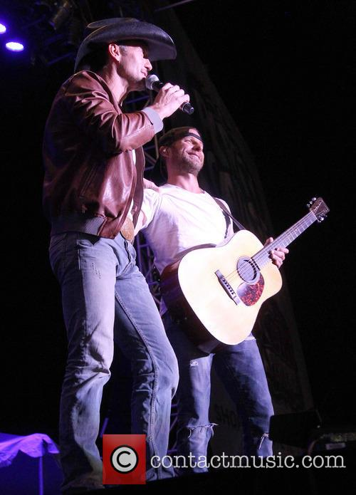 Tim Mcgraw and Dierks Bentley 1