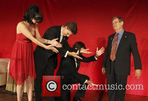 Pauley Perrette, Brian Dietzen, Michael Weatherly and David Mccallum 7