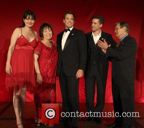Pauley Perrette, Josie Tong, Michael Weatherly, Brian Dietzen and David Mccallum 3