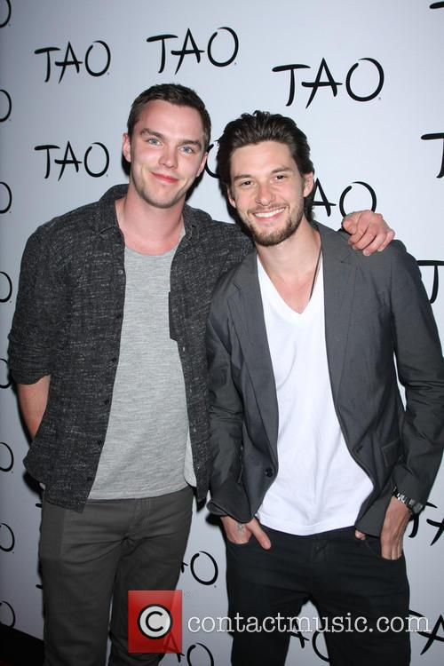 Nicholas Hoult and Ben Barnes 2