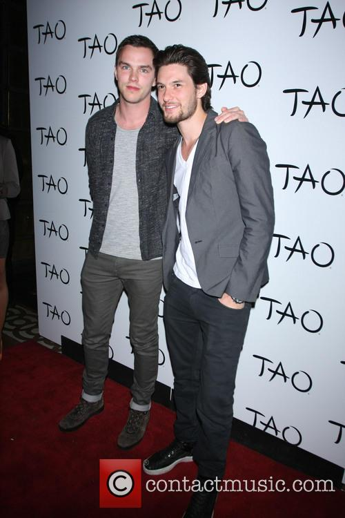 Nicholas Hoult and Ben Barnes 1
