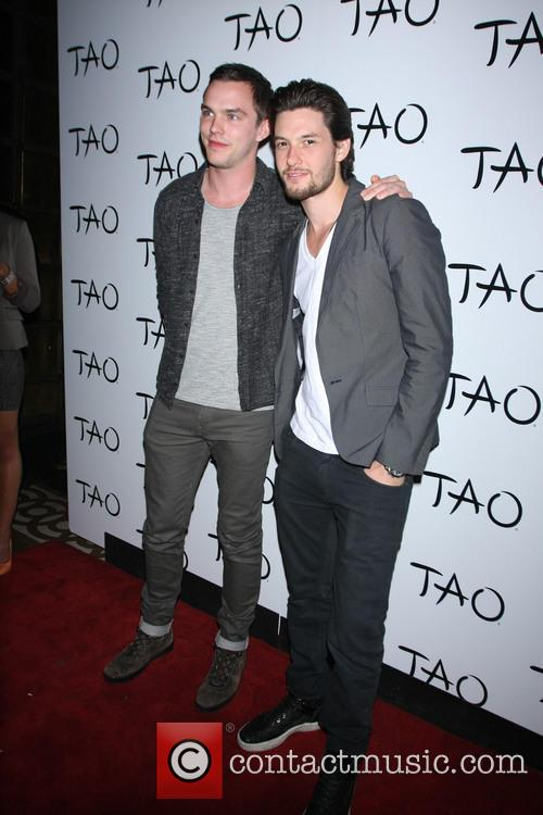 Nicholas Hoult and Ben Barnes 4