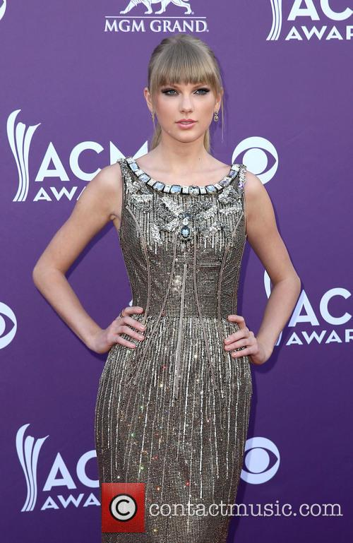 taylor swift 48th annual acm awards arrivals 3590526