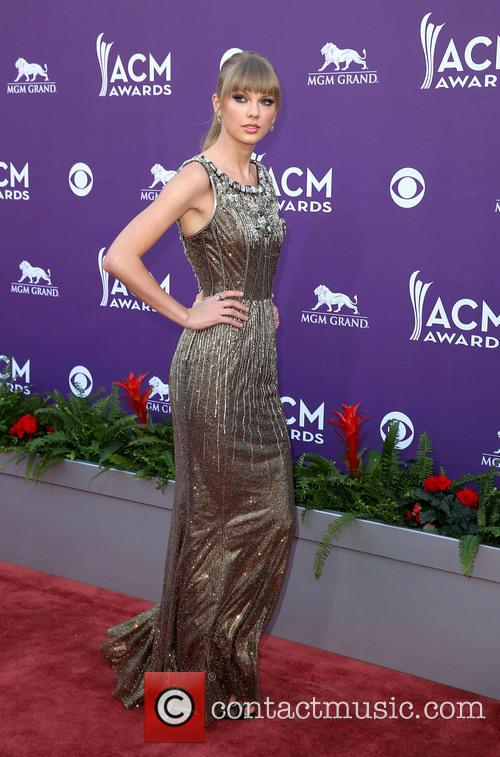 taylor swift 48th annual acm awards arrivals 3590529