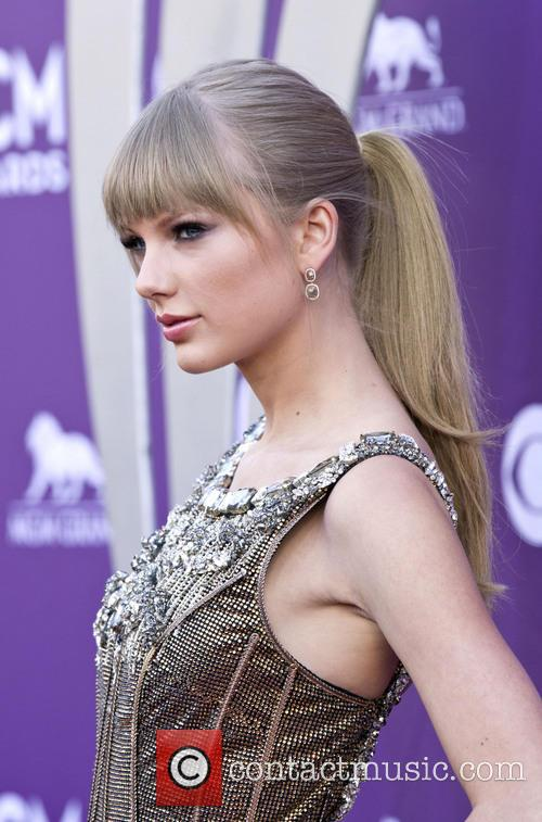 taylor swift 48th annual acm awards arrivals 3590499