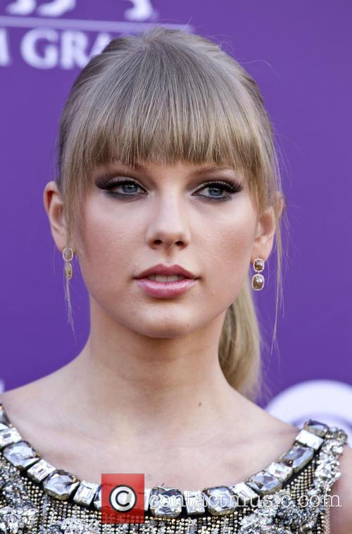 taylor swift 48th annual acm awards arrivals 3590502
