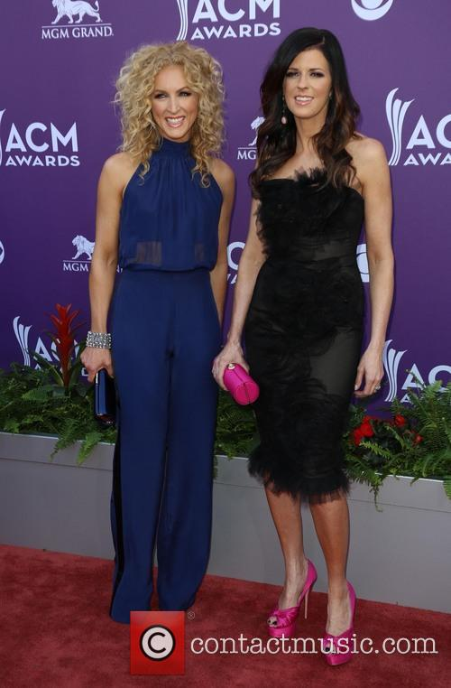 Karen Fairchild and Kimberly Schlapman 1