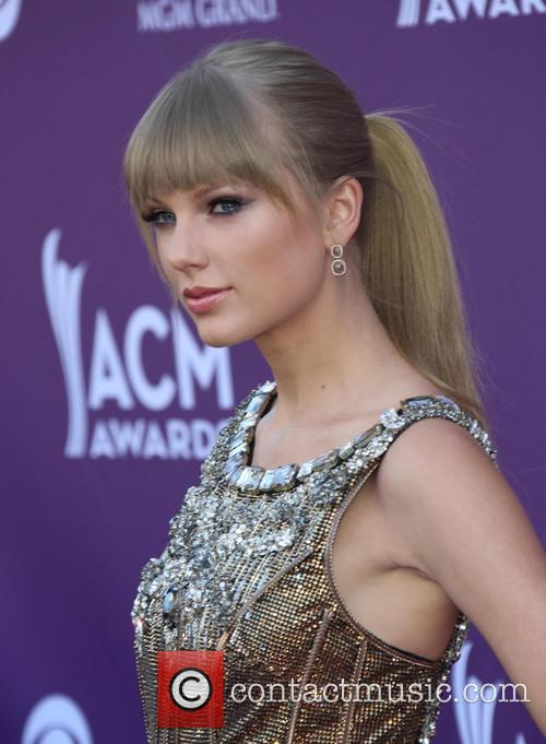 taylor swift 48th annual acm awards held 3593329
