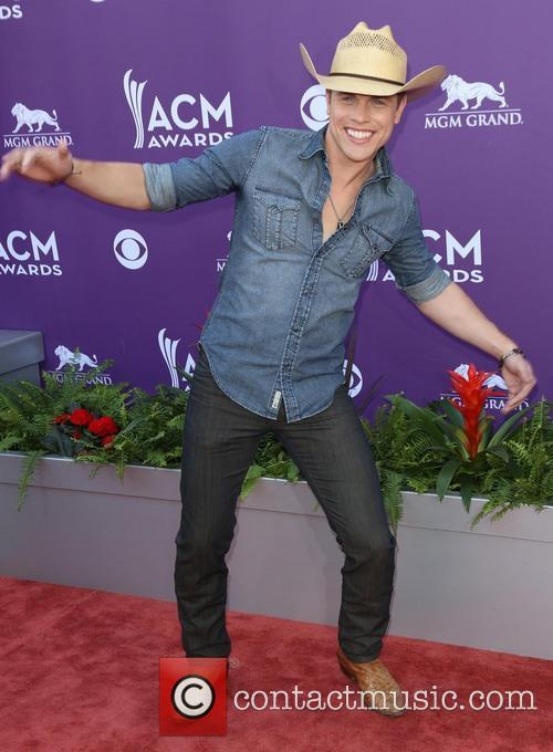 Dustin Lynch 4