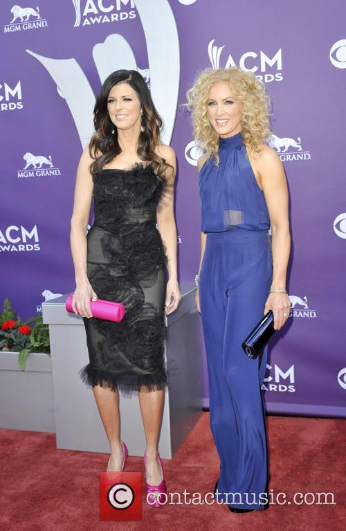 kimberly schlapman karen fairchild 48th annual acm awards 3589502