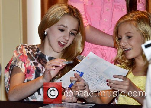 Chloe lukasiak dance moms attend a meet and greet at marriott chloe lukasiak and paige hyland 4 m4hsunfo