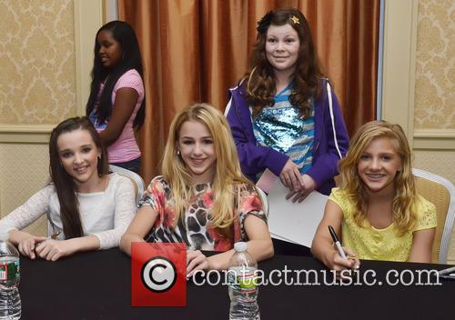 Kendall Vertes, Chloe Lukasiak and Paige Hyland 2