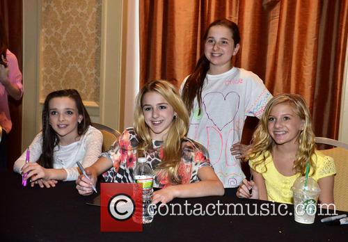 Kendall Vertes, Chloe Lukasiak and Paige Hyland 3