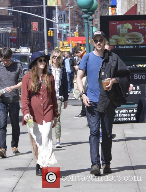 Elizabeth Olsen and Boyd Holbrook 2
