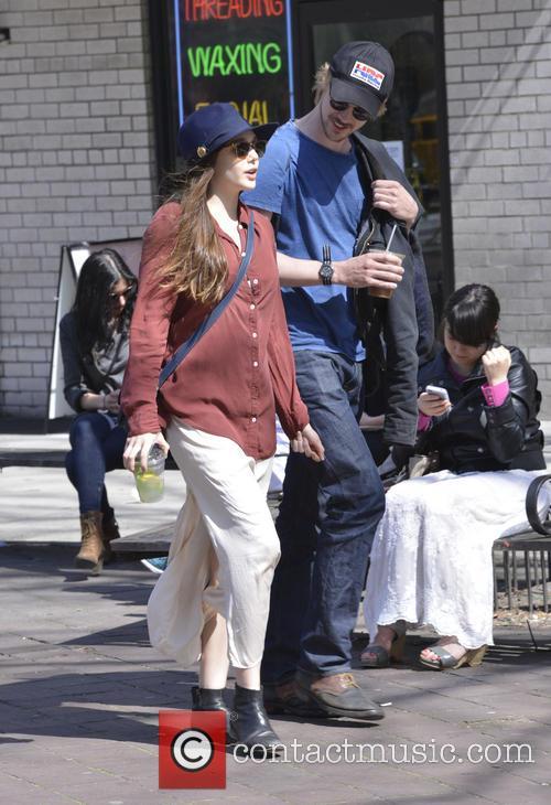 Elizabeth Olsen and Boyd Holbrook 3