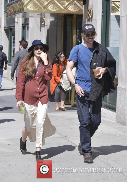 Elizabeth Olsen and Boyd Holbrook 5