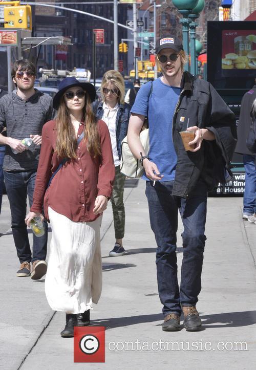 Elizabeth Olsen and Boyd Holbrook 6