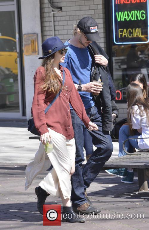 Elizabeth Olsen and Boyd Holbrook 8