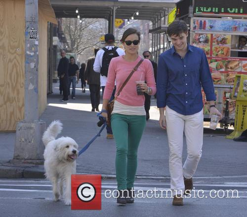 Olivia Wilde dog walking