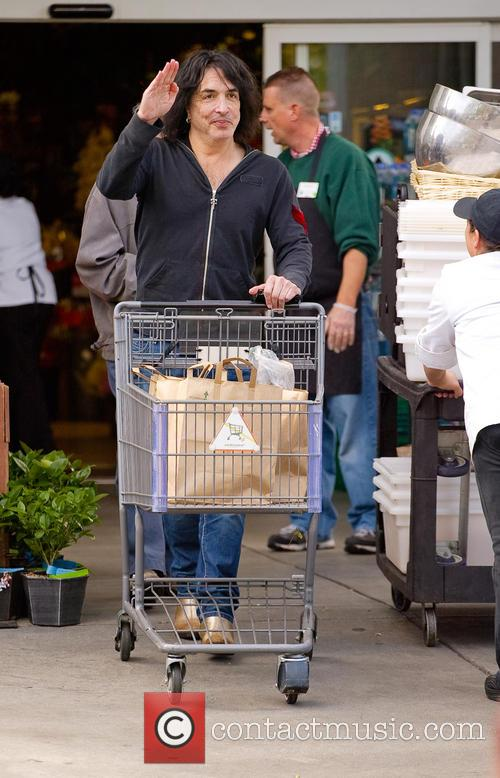 Paul Stanley Shopping At Bristol Farms