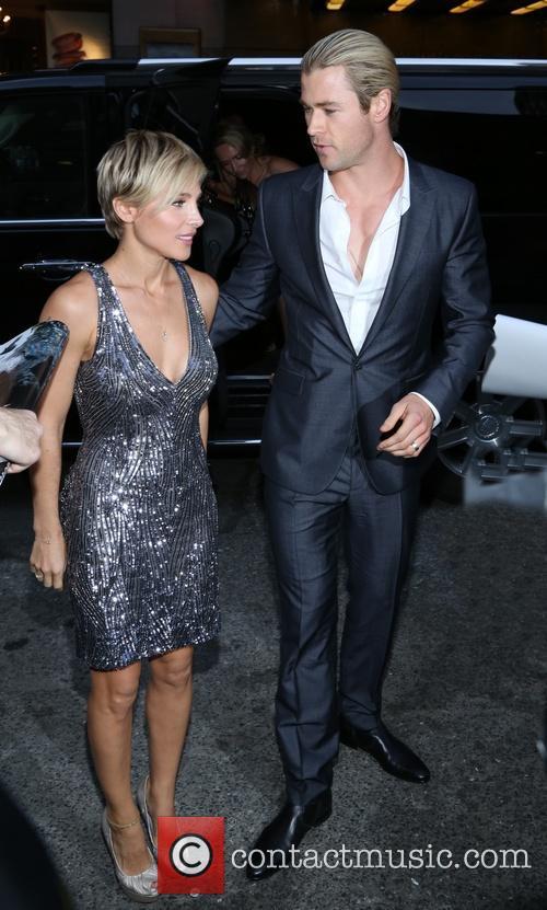 Elsa Pataky and Chris Hemsworth 22