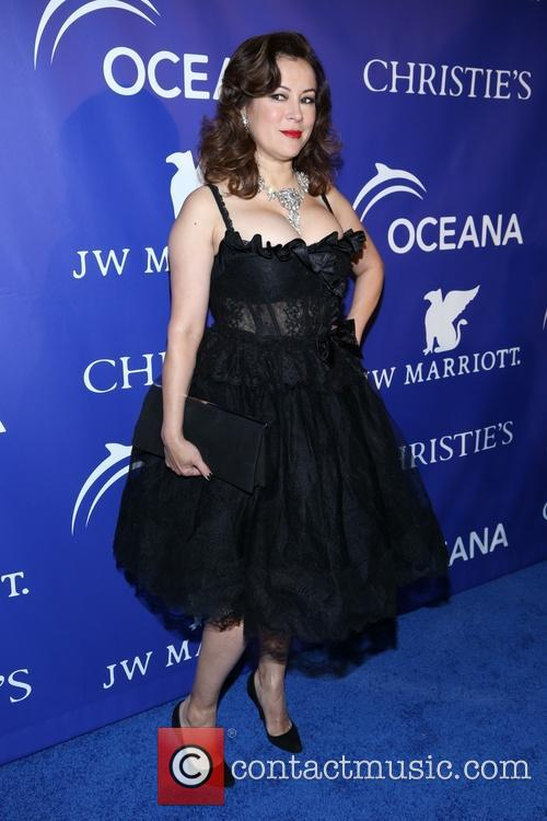 Jennifer Tilly 7
