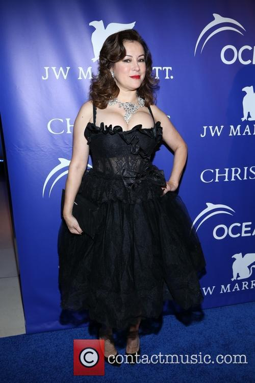 Jennifer Tilly 9