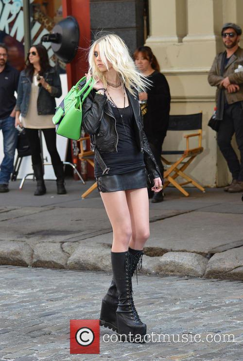 Taylor Momsen 8