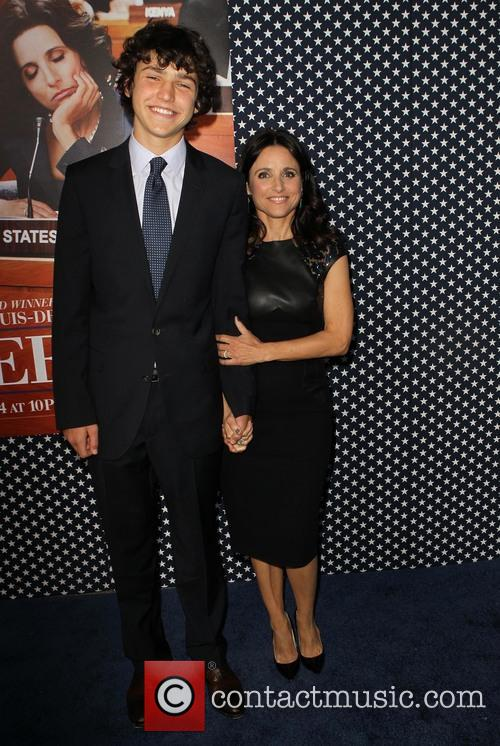 Charles Hall and Julia Louis-dreyfus 3