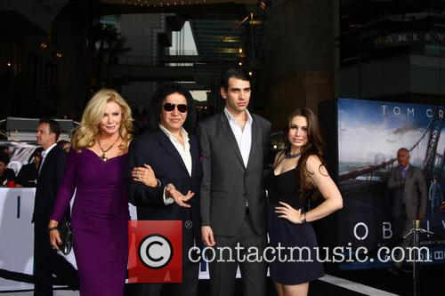 Shannon Tweed Simmons, Gene Simmons, Nick Simmons and Sophie Simmons 1