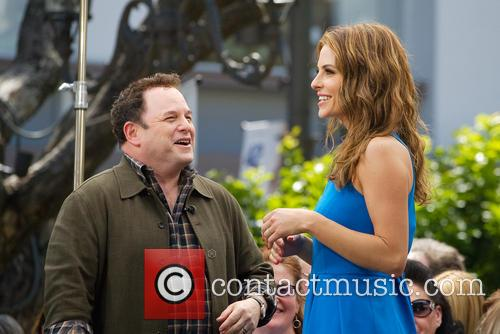 Jason Alexander and Maria Menounos 11