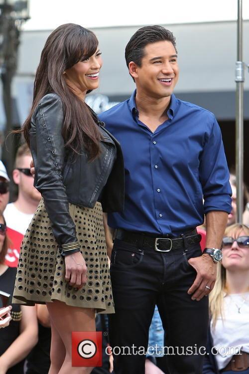 Paula Patton and Mario Lopez 5