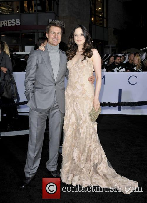 tom cruise andrea riseboraugh film premiere of oblivion 3600218