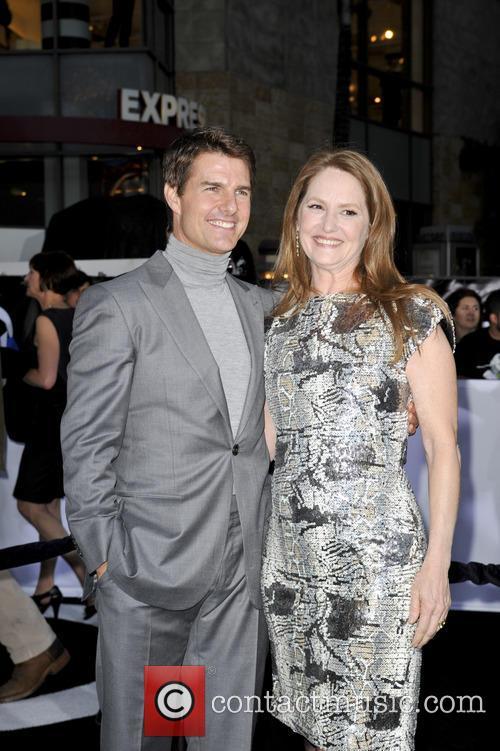 Tom Cruise and Melissa Leo 10