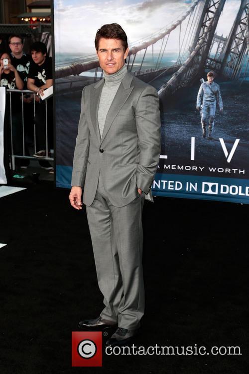 Tom Cruise 24