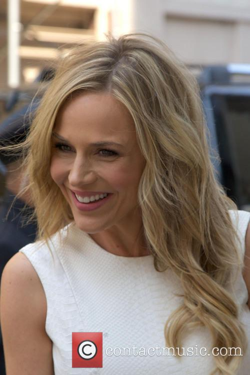 Julie Benz 4