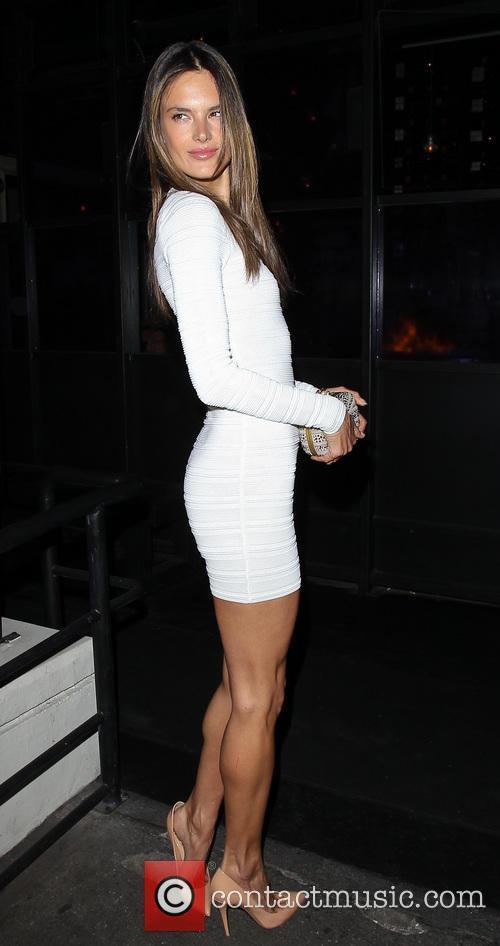 Alessandra Ambrosio 3