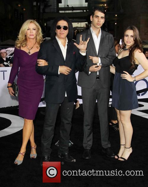 Shannon Tweed, Gene Simmons, Nick Simmons and Sophie Simmons 1