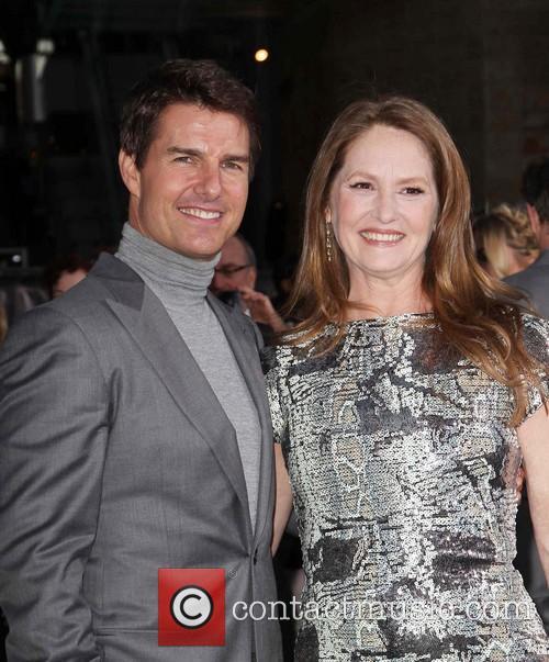 Tom Cruise and Melissa Leo 3