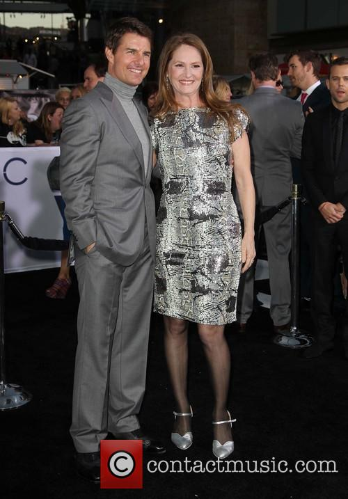 Tom Cruise and Melissa Leo 7