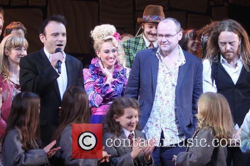 Lauren Ward, Lesli Margherita, Tim Minchin and Cast Of Matilda 7