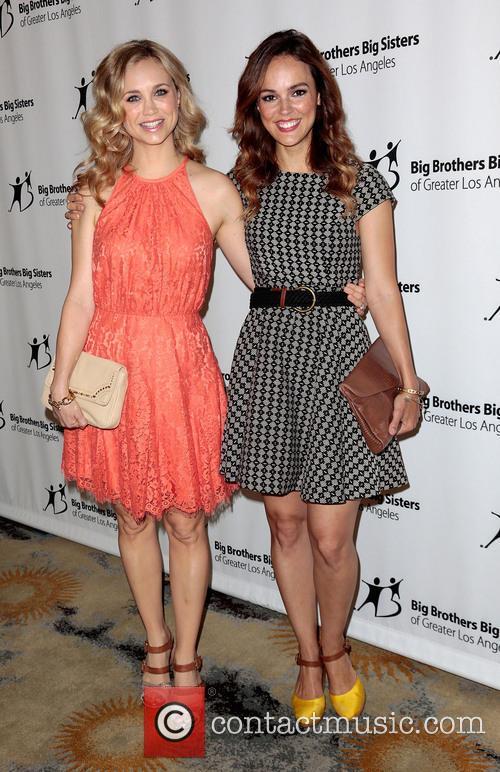 Fiona Gubelmann and Erin Cahill 8
