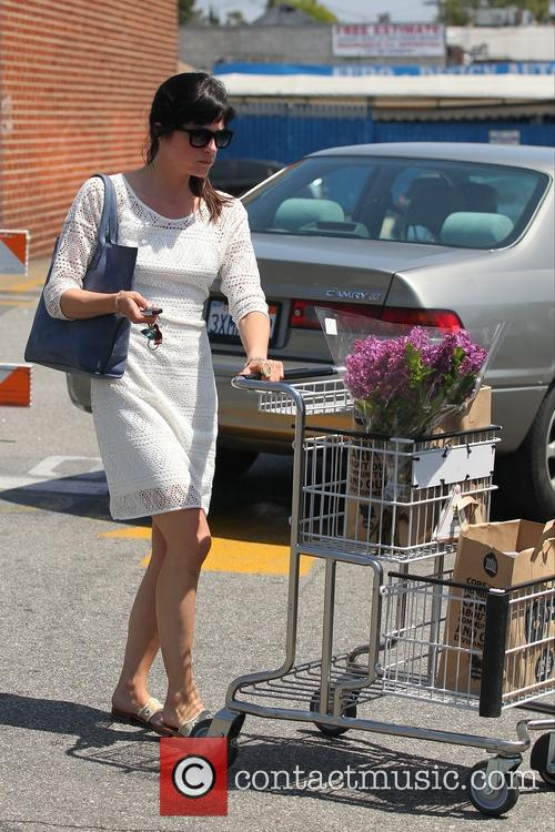 selma blair selma blair shops for groceries 3602695
