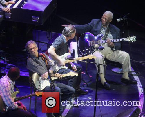 BB King and Eric Clapton jam at Crossroads Guitar Festival