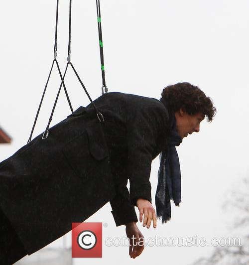 Benedict Cumberbatch hangs awkwardly in midair on 'Sherlock' set