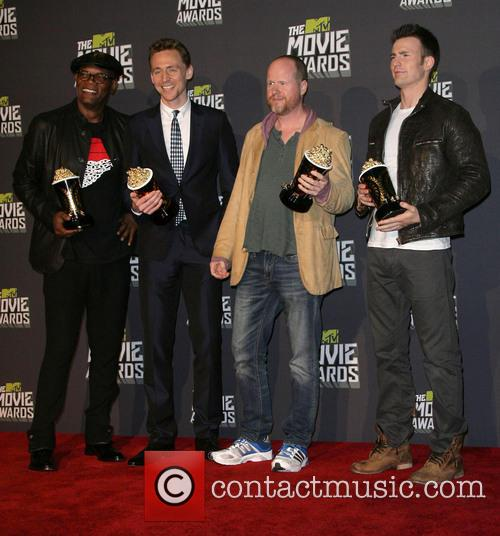 Samuel L. Jackson, Tom Hiddleston, Joss Whedon and Chris Evans 2