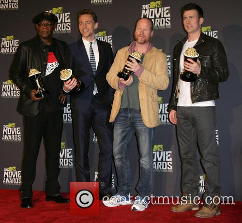 Samuel L. Jackson, Tom Hiddleston, Joss Whedon and Chris Evans 3