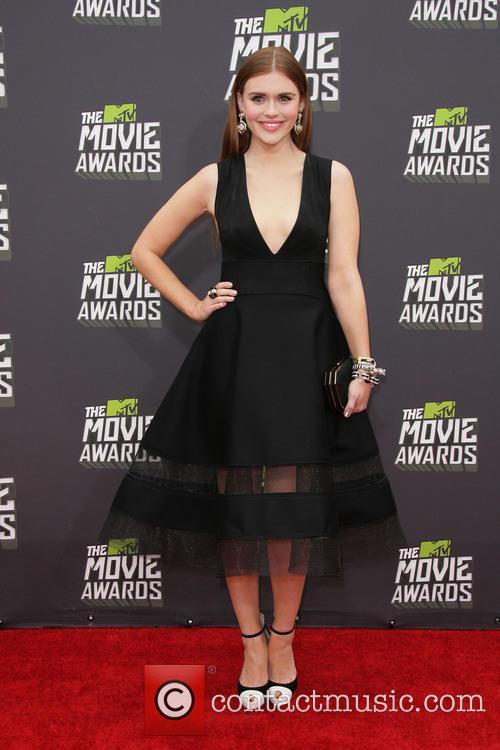 holland roden 2013 mtv movie awards arrivals 3607017
